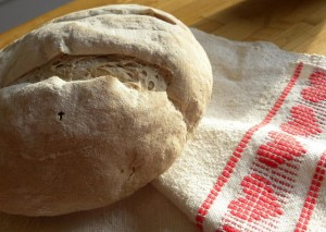 Pain au levain avec de la farine maison et locale