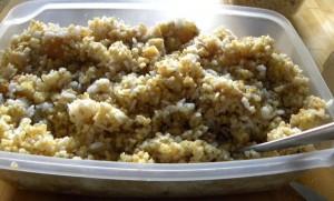 J'ajoute riz ou boulgour, ou comme ici les deux. Je mélange tout voilà !